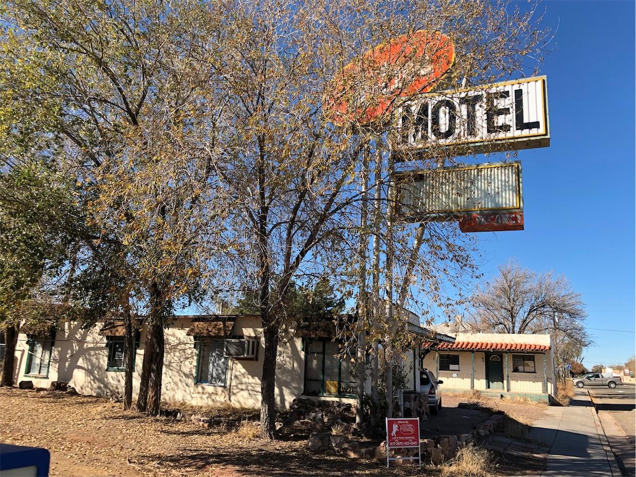 Hi-Line Motel